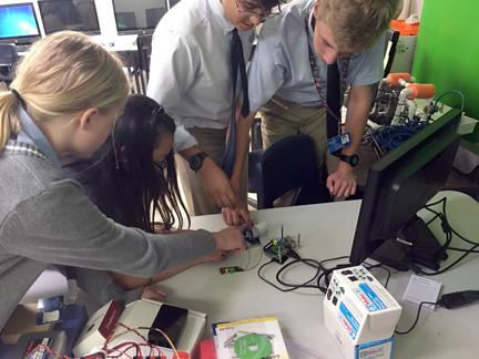 students build robot